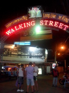 Walking to Pattaya-3-15
