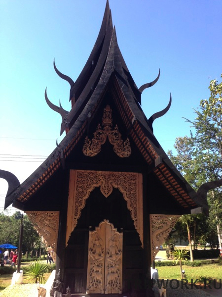 black temple in Chiangrai 27 Черный дом в Чианг Рай   кошмар наяву